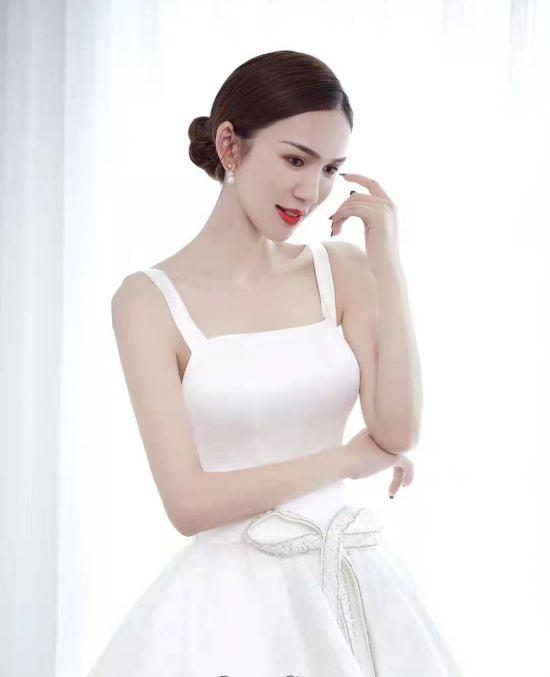 Mẫu áo cưới theo phong cách giản dị