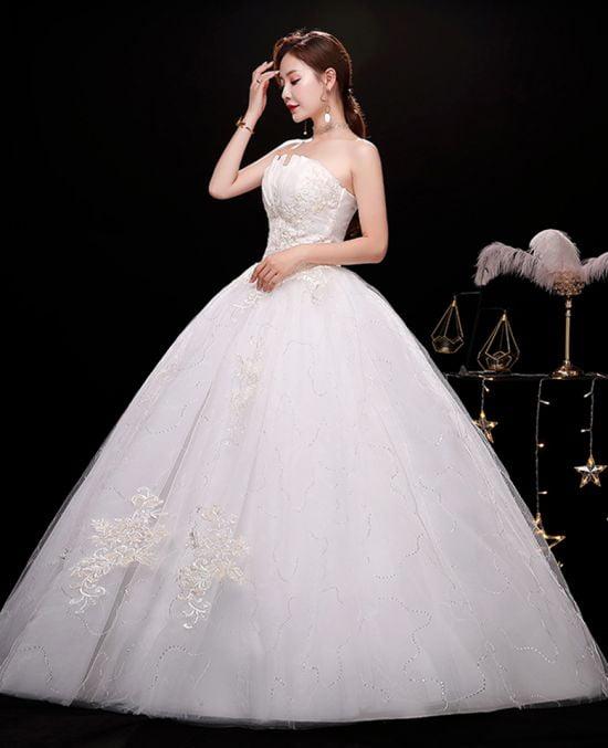 Áo cưới công chúa vì sao lại có sức hút với cô dâu đến vậy