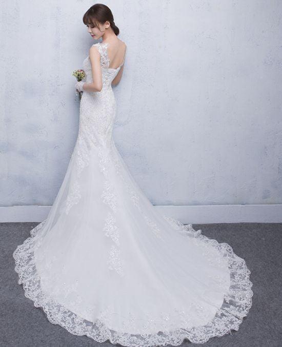 Những mẫu áo cưới đuôi dài đẹp nhất mùa cưới 2020